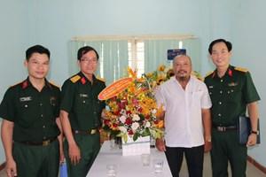 Bộ Tư lệnh Quân khu 5 thăm Văn phòng báo Đại Đoàn Kết tại Đà Nẵng