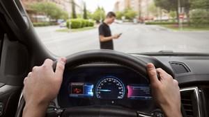 Người già vẫn có thể lái xe tốt khi được công nghệ hỗ trợ