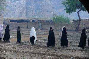 Afghanistan tố Taliban, IS hợp lực tàn sát 50 thường dân