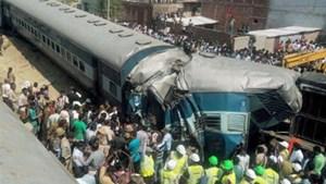 Tai nạn tàu hỏa ở Ấn Độ, gần 70 người thương vong