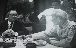 Ấn tượng Hồ Chí Minh và câu chuyện nhà báo chiến trường