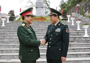 [ẢNH] Bộ trưởng Quốc phòng Việt Nam và Trung Quốc thăm Khu di tích Pác Bó