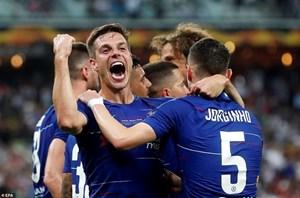[ẢNH] Cận cảnh Chelsea hủy diệt Arsenal, đăng quang Europa League