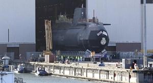 Anh: Cảnh báo bom trên tàu ngầm hạt nhân, sơ tán toàn bộ tổ hợp đóng tàu
