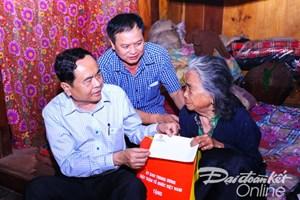 [ẢNH] Chủ tịch UBTƯ MTTQ Việt Nam Trần Thanh Mẫn thăm đồng bào các dân tộc Tây Bắc bị ảnh hưởng mưa lũ