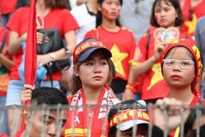 [ẢNH] Cổ động viên tiếc nuối khi Olympic Việt Nam dừng chân ở vị trí thứ tư Asiad