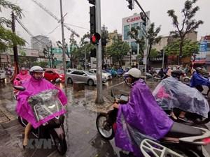 [ẢNH] Mưa lớn đầu giờ sáng tại Hà Nội, nhiều tuyến đường ùn tắc cục bộ