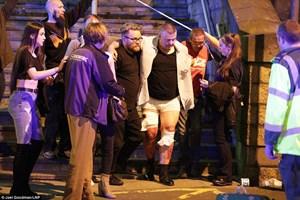 [ẢNH] Vụ nổ lớn tại nhà thi đấu Manchester nước Anh