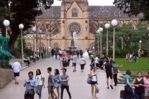 Australia điều chỉnh thời gian lưu trú thị thực du lịch kết hợp lao động