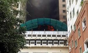 Ba tòa nhà chung cư Xa La hoảng loạn vì cháy… mái bể bơi