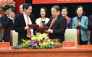 Ban Dân vận TƯ và Đảng đoàn Hội Nhà báo Việt Nam ký kết chương trình phối hợp công tác dân vận
