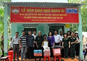 Bàn giao nhà đại đoàn kết tại huyện Thới Lai