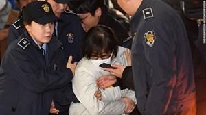 Bạn thân bà Park Geun-hye bị kết án tù giam