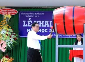 BẢN TIN MẶT TRẬN: Chủ tịch Trần Thanh Mẫn dự Lễ khai giảng Trường THPT Tầm Vu