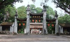 Bảng tên, hoành phi, đối liễn trong chùa: Sẽ sử dụng tiếng Việt