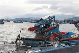 Bão số 9: Nhiều nhà bị sập đổ, tàu thuyền bị cuốn trôi