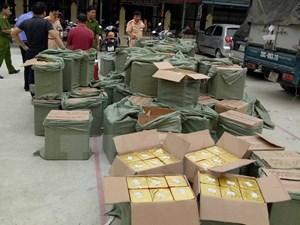 Bắt giữ một xe tải chở trái phép gần 2.500 kg pháo