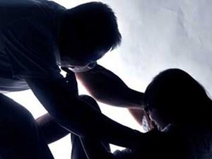 Bắt khẩn cấp 'yêu râu xanh' nhiều lần hiếp dâm bé gái 8 tuổi