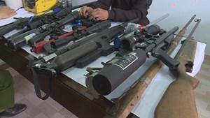 Bắt quả tang đối tượng chế tạo súng trái phép