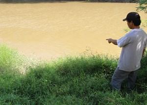 Bắt tạm giam kẻ xâm hại bé gái 8 tuổi rồi đẩy xuống sông