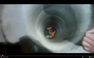 Bé trai sống sót kỳ diệu khi ngã xuống giếng sâu 6 mét