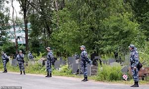 Nga an táng 14 thủy thủ thiệt mạng trong vụ cháy tàu ngầm