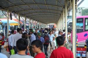 Bến xe tại TP HCM đồng loạt tăng giá vé dịp lễ Quốc khánh 2-9