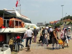 Biển động, hàng trăm du khách bị kẹt tại đảo Lý Sơn