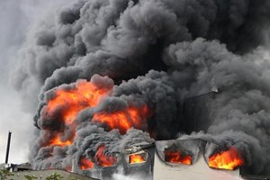 Bình Dương: Cháy lớn ở Khu công nghiệp Việt Hương, công nhân chạy tán loạn