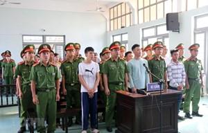 Bình Thuận: Giữ nguyên mức án sơ thẩm đối với 13 bị cáo gây rối trật tự công cộng