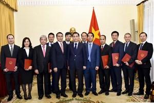Bộ Ngoại giao bổ nhiệm Vụ trưởng Vụ Trung Đông - Châu Phi cùng nhiều nhân sự chủ chốt