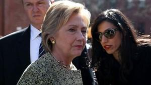 'Bom tấn' email cá nhân khiến bà Clinton chao đảo trước ngày bầu cử