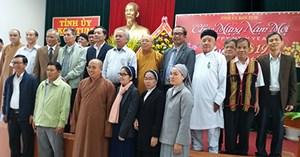 Các tôn giáo, nhân sĩ, trí thức và nhân dân chúc Tết Tỉnh ủy Kon Tum