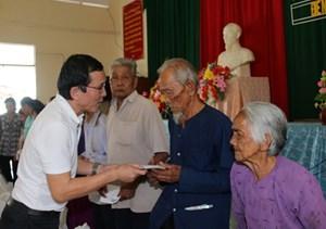 Cai Lậy (Tiền Giang): 1,4 tỷ đồng giúp hộ nghèo trong dịp Tết Đinh Dậu