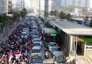 Cấm xe máy ở một số tuyến đường đang trong quá trình nghiên cứu