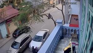 Camry tông 3 người chết: Không phải xe điên mất lái!