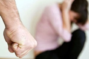Cần chế tài mạnh với những người thích 'mạnh tay' trong gia đình