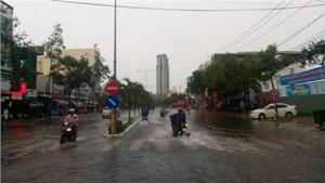 Cần Thơ: Trận mưa kéo dài hơn 3 giờ gây ngập nhiều tuyến đường