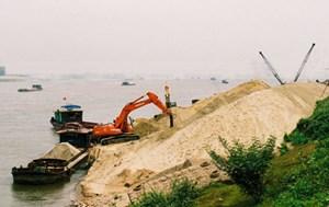 Chấn chỉnh việc khai thác cát trên sông Hương