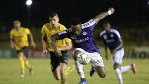 Chân sút chủ lực của Hà Nội FC nghỉ thi đấu hết mùa giải