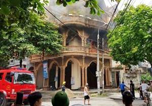 Cháy cơ sở kinh doanh karaoke tại TP Uông Bí