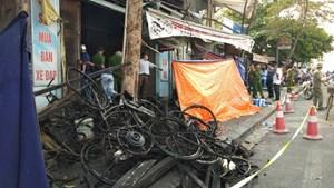 Cháy cửa hàng xe máy điện, 3 người tử vong