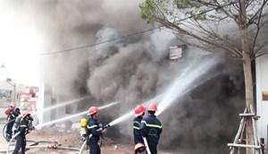 Cháy lớn tại trung tâm TP Đà Nẵng