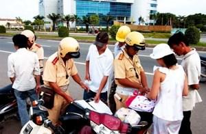 Chế tài xử phạt vi phạm an toàn giao thông còn nhẹ