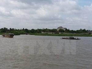 Chìm ghe trên sông Bạc Liêu-Cà Mau, 2 người may mắn thoát nạn