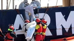 Chìm tàu ngoài khơi Libya, hơn 200 người có thể đã chết