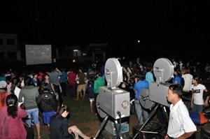 Chính sách hỗ trợ cơ sở vật chất chiếu phim vùng sâu, vùng xa