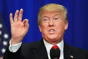 Chữ ký 'không giống ai' của Tổng thống Trump gây xôn xao