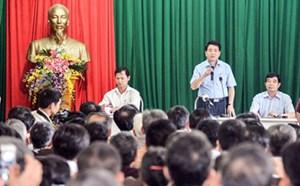 Chủ tịch Hà Nội đối thoại với dân khu rác thải Nam Sơn
