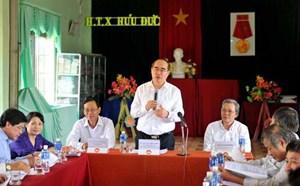 Chủ tịch Mặt trận sẵn sàng giúp HTX vay vốn ngân hàng